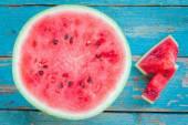 Slices of fresh juicy organic watermelon — Stock Photo