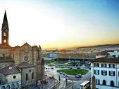Veduta aerea di piazza santa maria novella al tramonto, firenze, italia — Foto Stock