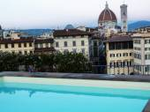 View of Florence from a rooftop with swimming pool, Italy — Stock Photo
