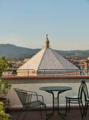 View of the baptisteryl of Florence from a terrace, Italy — Stock fotografie