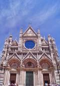 Fasaden på sienas katedral i toscana, italien — Stockfoto