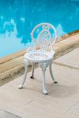 Bílé židle v klasickém stylu — Stock fotografie