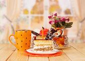 Cake and tea — Stock Photo