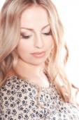 Visage de belle femme blonde — Photo