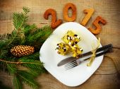 New year's Eve 2015 decoration with gold gifts — Stock Photo