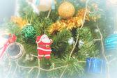 рождественская елка с рождественские украшения — Стоковое фото