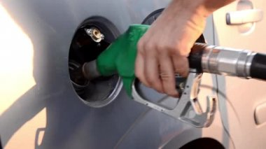 Refueling a car — Stock Video