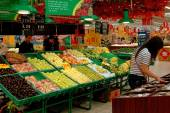 Xi'an, China: Fruit Department of Hong World Supermarket — Stock Photo