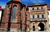 Brzeg, Poland: Chapel and Dukes of Silesia Gate — Stock Photo