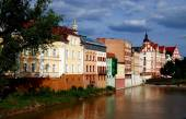 Opole, Poland: Houses Lining Oder River Bank — Stock Photo