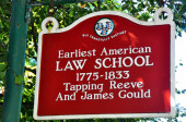 Litchfield, Connecticut: Sign at Tapping Reeve Law School — Foto de Stock