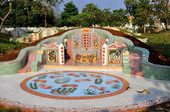 Kanchanaburi, Thailand: Chinese Family Burial Tomb — Stock Photo