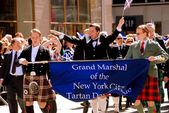 NYC: Lawrence Tynes at Scottish Tartan Day Parade — Stock Photo
