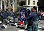 NYC: Scottish Tartan Day Parade Bagpipers — Stock Photo