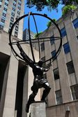 NYC: Atlas Sculpture at RockefellerCenter — Stock Photo