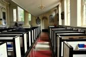 Philadelphia, PA: Pews at Christ Church — Stock Photo