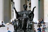 New York: la statue d'alma mater à la columbia university — Photo