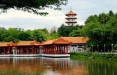 Singapore: Lakeside Pavilions at Classical Chinese Garden — Stock Photo