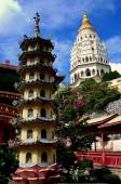 Penang, Malaysia: Kek Lok Si Temple Pagodas — Stock Photo