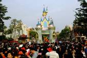 Hong Kong, China: Disneyland Castle and Parade — Foto Stock