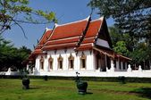 Amphawa, Thailand: Wat Amphawa Chetiyaram — Stock Photo