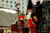 Hong Kong, China: Guitar-Playing Santas at Christmas — Stock Photo