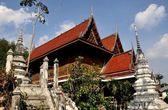 Ayutthaya, Thailand: Monastic Buildings at Thai Wat — Stock Photo