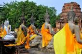 Ayutthaya, Thailand: Buddhas at Wat Yai Chai Mongkon — Stock Photo