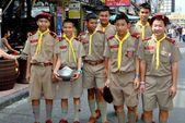 Bangkok, Thailand: Boy Scout Troop on Khao San Road — Stock Photo