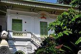 Bangkok, Thailand: Monastic House at Thai Temple — Stock Photo