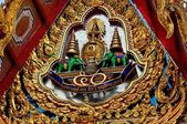 Bangkok, Thailand: Tympanum Figures at Wat Hua Lamphong — Stock Photo