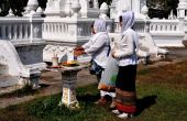 Chiang Mai, Thailand: Muslim Women at Wat Suan Dok — Stock Photo