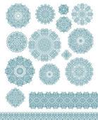 Dekorative Rosetten-Schneeflocken — Stockvektor