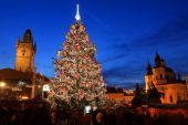 Christmas Mood on the night Old Town Square, Prague, Czech Republic — Stock Photo