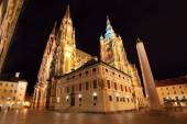 Gothic St. Vitus' Cathedral on Prague Castle in the Night, Czech Republic — Stock Photo