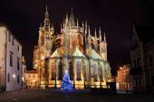 Gothic St. Vitus' Cathedral on Prague Castle in the Night with Christmas Tree, Czech Republic — Stok fotoğraf