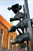 Statue of the Bremen Town Musicians in Riga, Latvia — Stock Photo