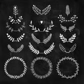 Set of vector handdrawn laurels and wreaths — Stock Vector
