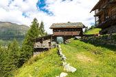 Walser-Häuser in Mascognaz (Italien) — Stockfoto
