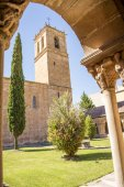 Cloister and tower of St. Pedro in Soria, Spain — Stock Photo