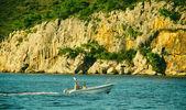 Man is Sailin on Boat — Stock Photo