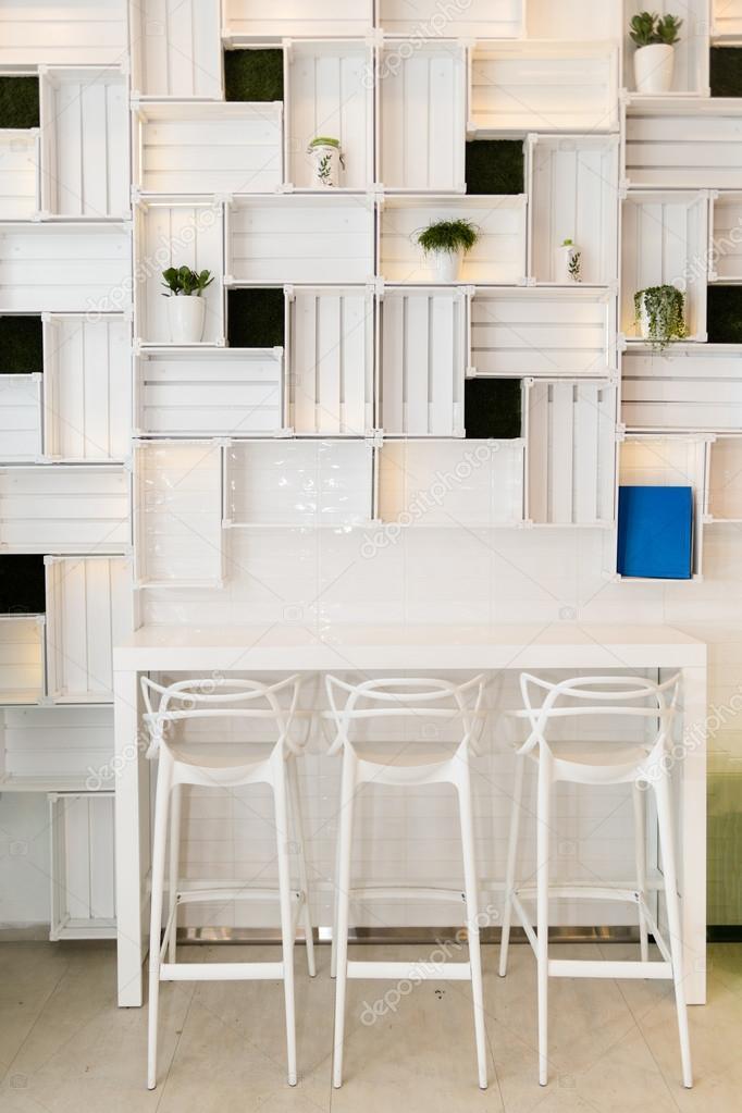 현대적인 카페 또는 집 부엌 벽에 변 바 — 스톡 사진 ...