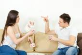 Young adult couple fight over stupid card game — Stock Photo