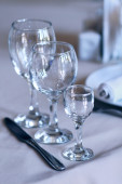 Empty glasses on the table — Stock Photo