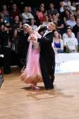 Ballroom dance couple, dancing at the competition — 图库照片