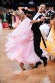 Couple de danse de salon, danse au concours — Photo
