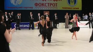 Ballroom dancers  perform at the competition — Vídeo de stock