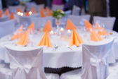 Blurred Table setting at a luxury wedding reception — Stock Photo