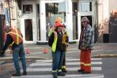 Construction street workers are talking about progress in work — Stock Photo