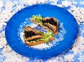Christmas food with beluga  caviar — Stock Photo